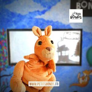 Spectacle de marionnette avec Hopla marionnette kangourou de Petits Bonds
